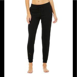 NWT Alo Yoga Fierce Sweatpants sz small in black